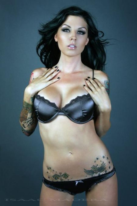 hot_girls_with_tattoos_15