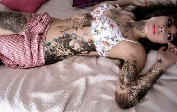hot_girls_with_tattoos_69