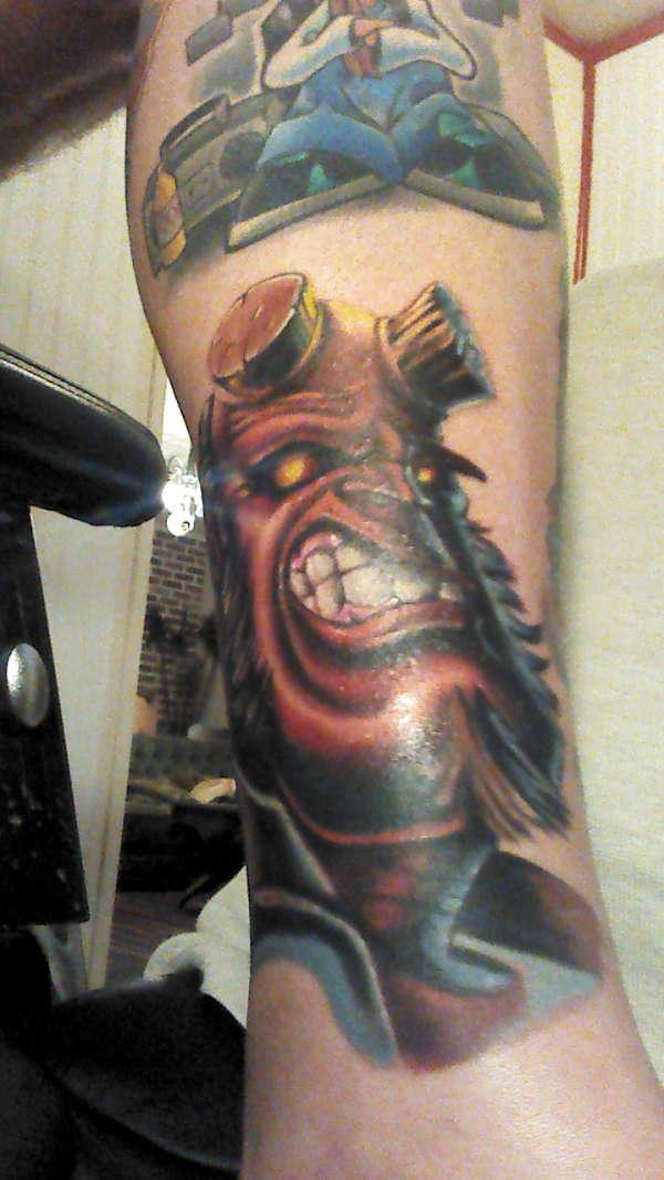 Tatuagens de Hellboy 47