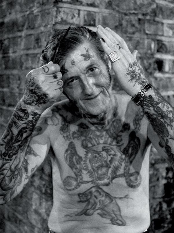 Tatuagens na terceira idade 15