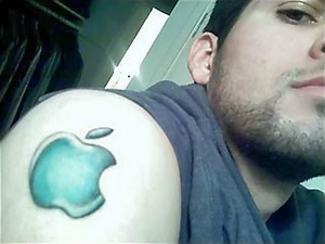 Tatuagens do logo da Apple 09