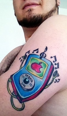 Tatuagens do logo da Apple 13