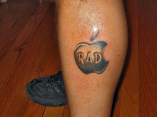 Tatuagens do logo da Apple 14
