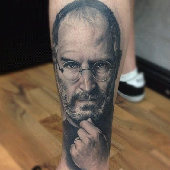 Tatuagens do logo da Apple 24