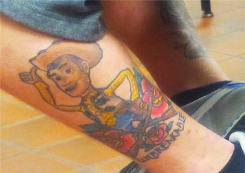 Tatuagens mal feitas para rir 12