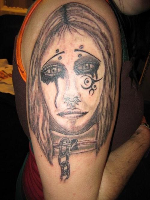 Tatuagens mal feitas para rir 23