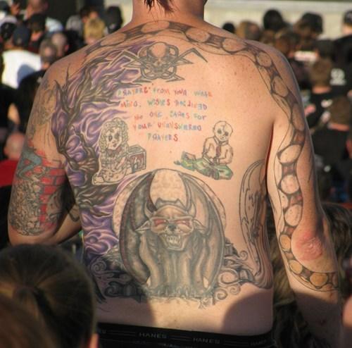 Tatuagens mal feitas para rir 27