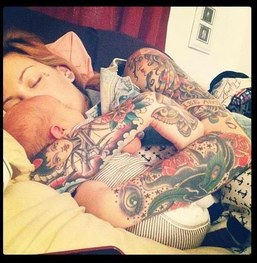 Pais e maes tatuados - Tattooed Parents 24