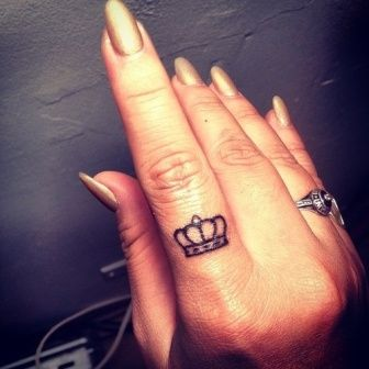 Tatuagem de coroa 17