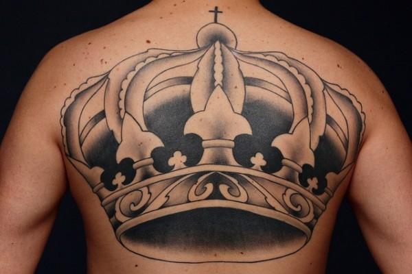 Tatuagem de coroa 25