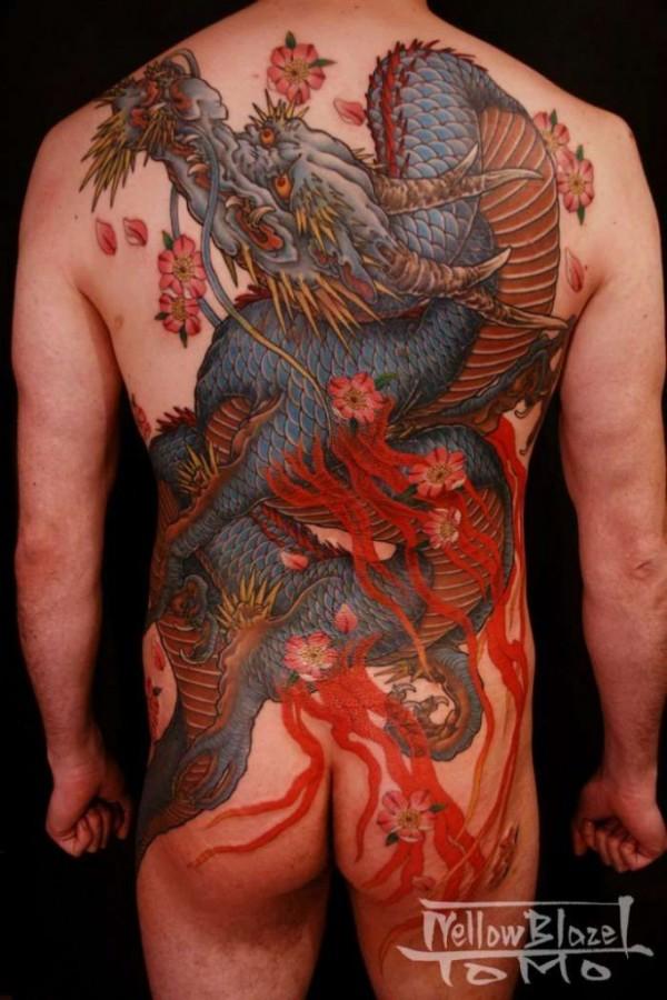 dragon2horitomoyokohamajapan1-682x1024