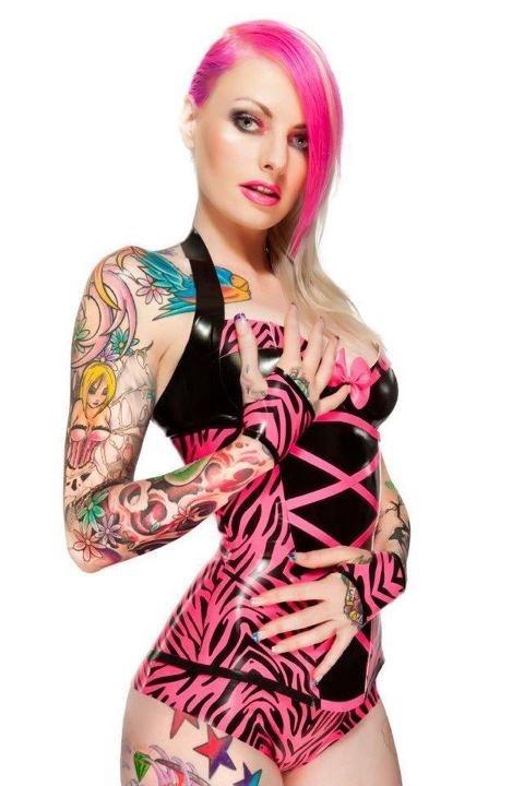 Mulheres tatuadas para casar 02