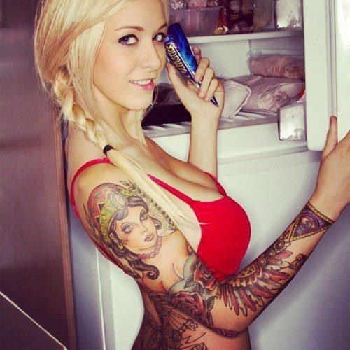 Mulheres tatuadas para casar 05