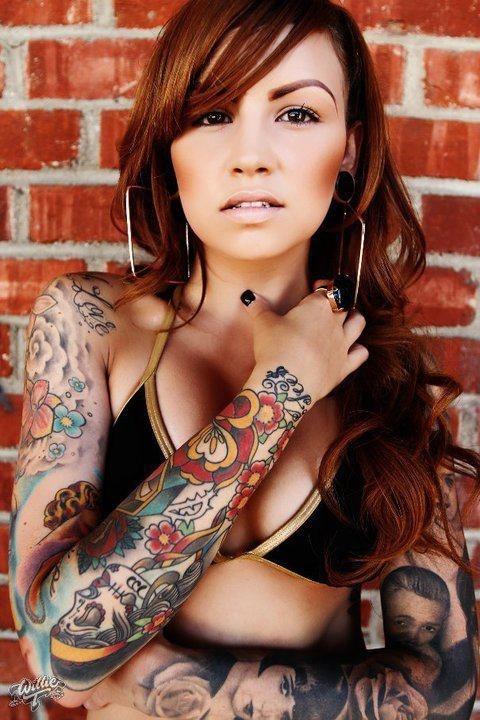 Mulheres tatuadas para casar 17