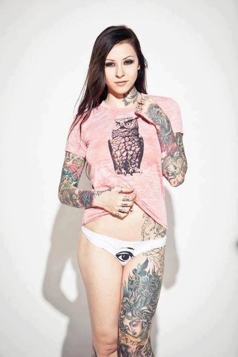 Mulheres tatuadas para casar 18