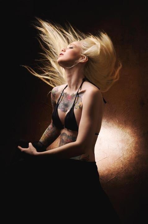 Mulheres tatuadas para casar 19