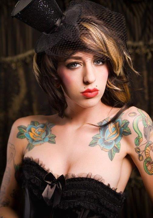 Mulheres tatuadas para casar 26