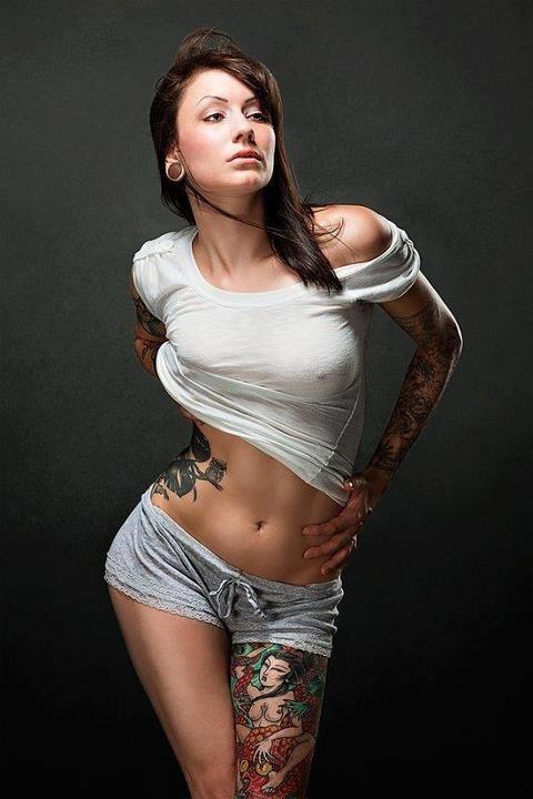 Mulheres tatuadas para casar 28