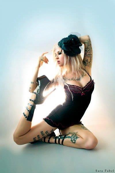 Mulheres tatuadas para casar 29
