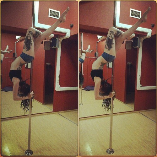 Poledancer tatuada 19