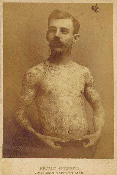 Foto Antiga de Homem Tatuado 02