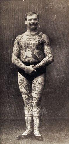 Foto Antiga de Homem Tatuado 09