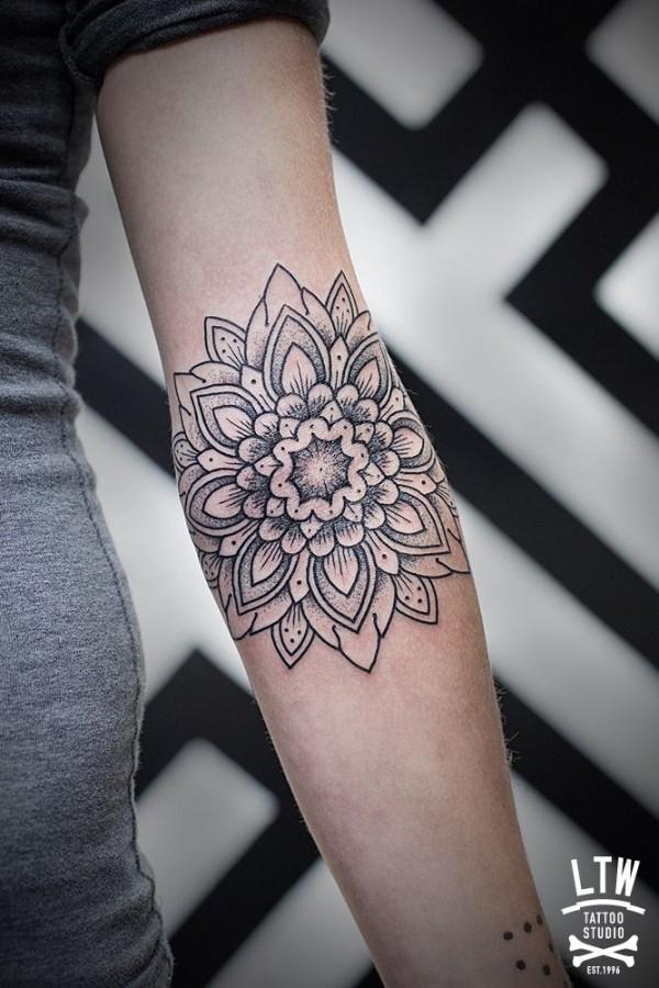 Tatuagens de flores 08