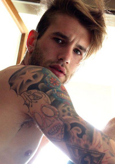 Homem Tatuado 10