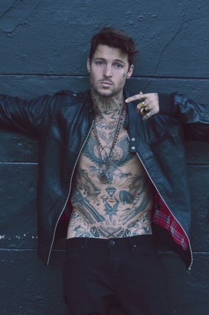 Homem Tatuado 13