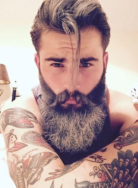 Barbudos tatuados 00