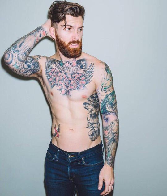 Barbudos tatuados 01