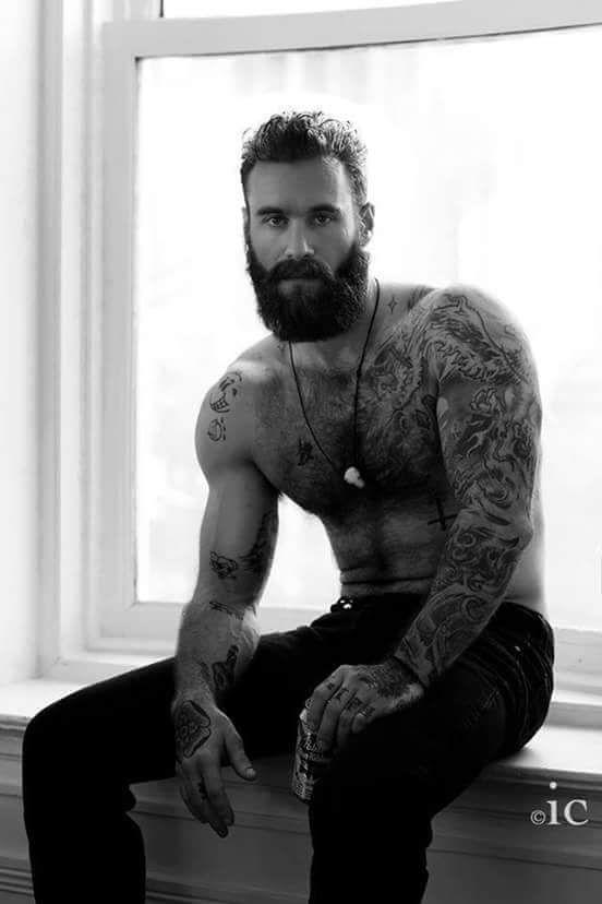 Barbudos tatuados 12