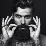 Os barbudos tatuados que vão acelerar seu coração