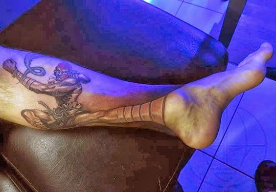 Tatuagem Criativa na Perna 07