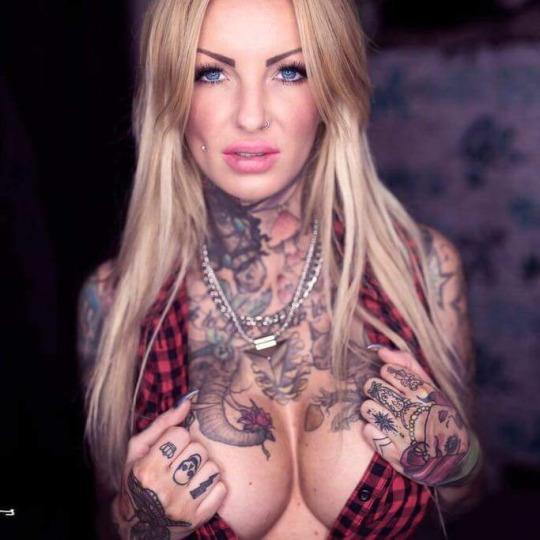 Belas tatuadas 08