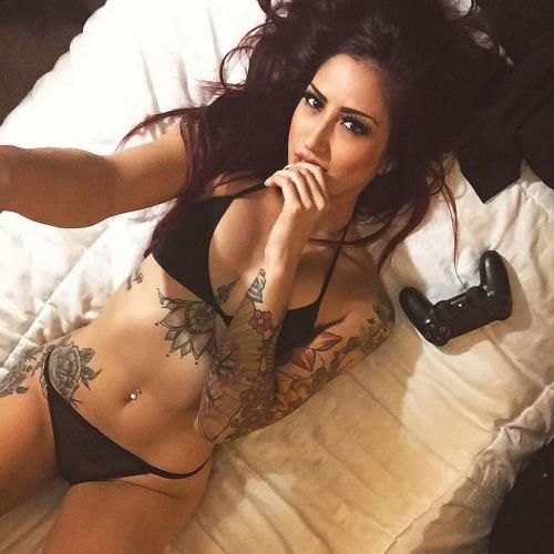 Belas tatuadas 14