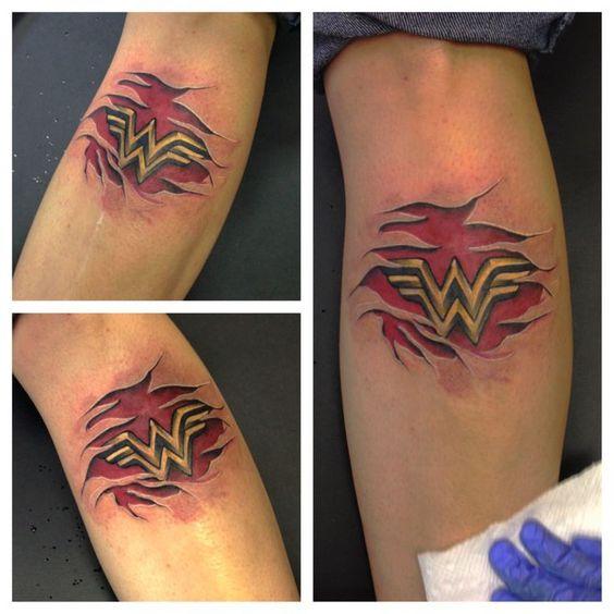 Tatuagens da Mulher Maravilha 16