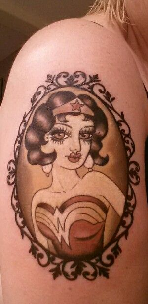 Tatuagens da Mulher Maravilha 21
