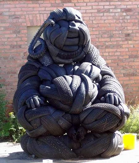 esculturas-de-pneu-10