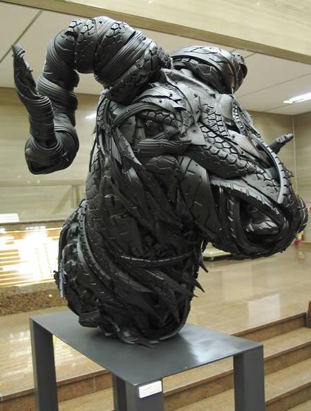 esculturas-de-pneu-2