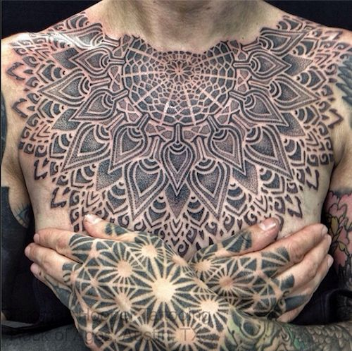 Tatuagens no Peito 04